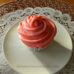 Signature Skinny Sweets Daily Pink Cupcake