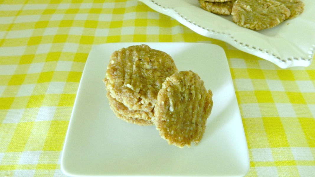 Peanut Butter And Dates No Flour Cake