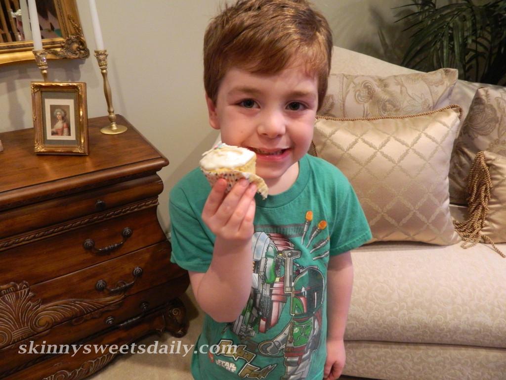 Skinny Tropical Pineapple Coconut Cupcakes 2