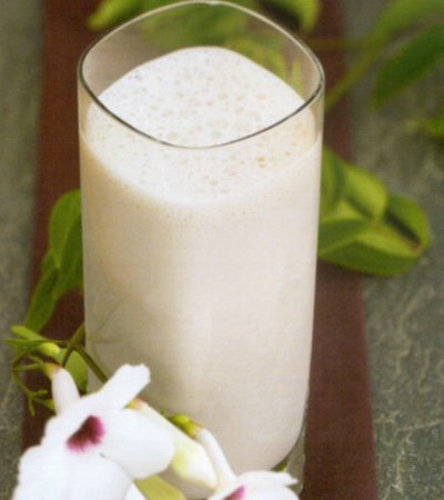 Creamy Black and White Smoothie