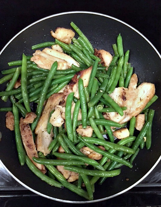 10 minute chicken green bean stir fry