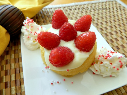 Mini Vanilla Pudding Filled No Bake Cakes