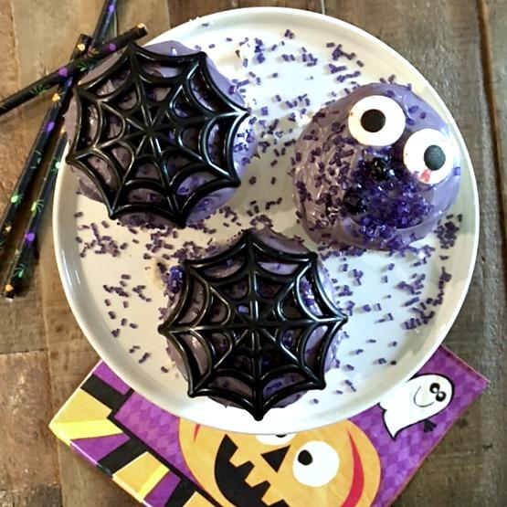 halloween-purple-scary-cupcakes
