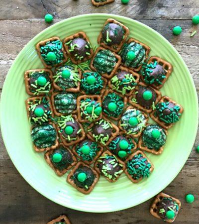Sweet & Salty St. Patrick's Day Pretzel Snaps