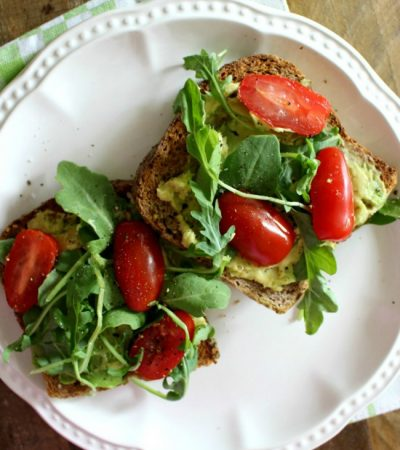 Avocado Toast with Arugula and Tomatoes
