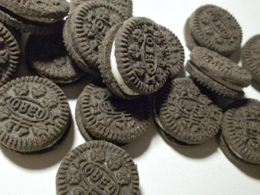 2 Ingredient Oreo Stuffed Sugar Cookies - Pams Daily Dish