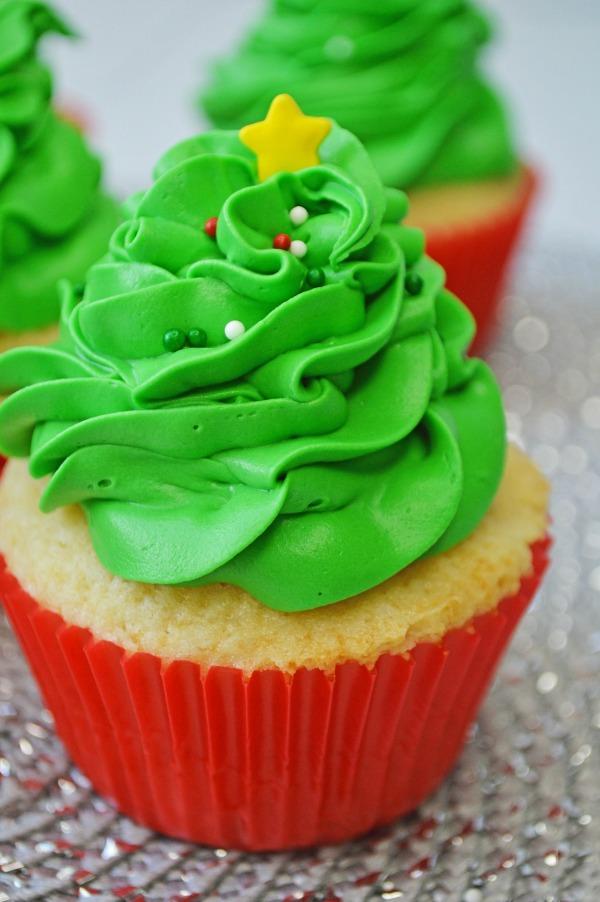 Simple Vanilla Christmas Tree Cupcakes Pams Daily Dish